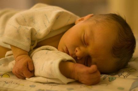 tomas nocturnas bebe