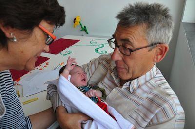 El papel de los abuelos en el embarazo y cría del bebé