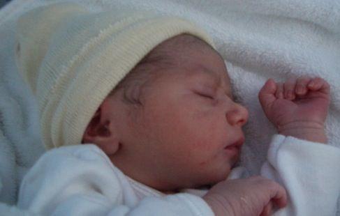El primer bebé español sin el ictus genético ha nacido