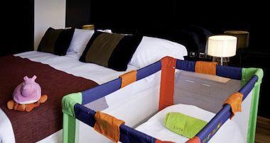 Elegir alojamiento u hotel al viajar con un bebé
