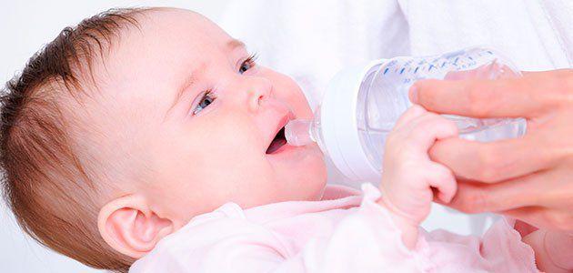 bebes tomar agua